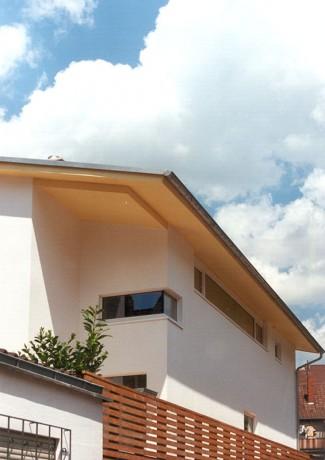 Neubau Wohnhaus Boßert, Straßenblick